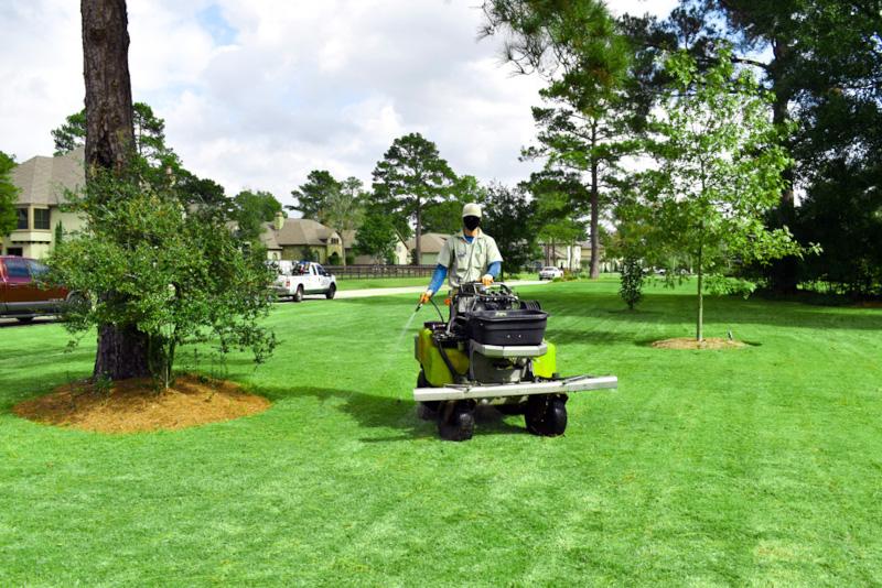 Houston lawn treatment services